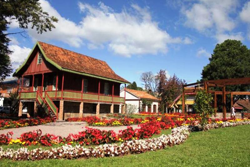Praça das Etnias em Gramado